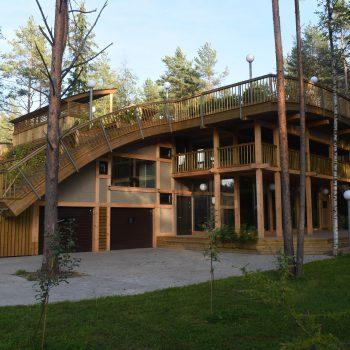 Строительство фахверковых домов с садом на крыше