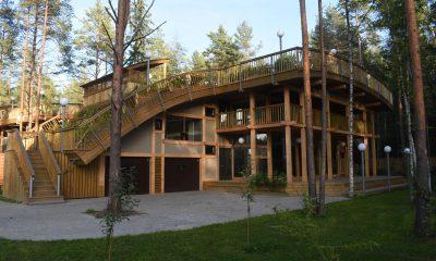 Продается, сдается в аренду фахверковый дом с панорамными окнами и садом на крыше в Белоострове