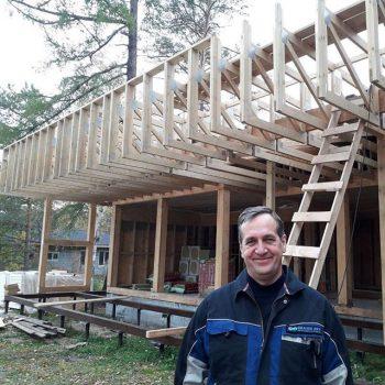 Сегодня снимали размеры на следующем фахверке… это будет дом в стиле Хай -тек